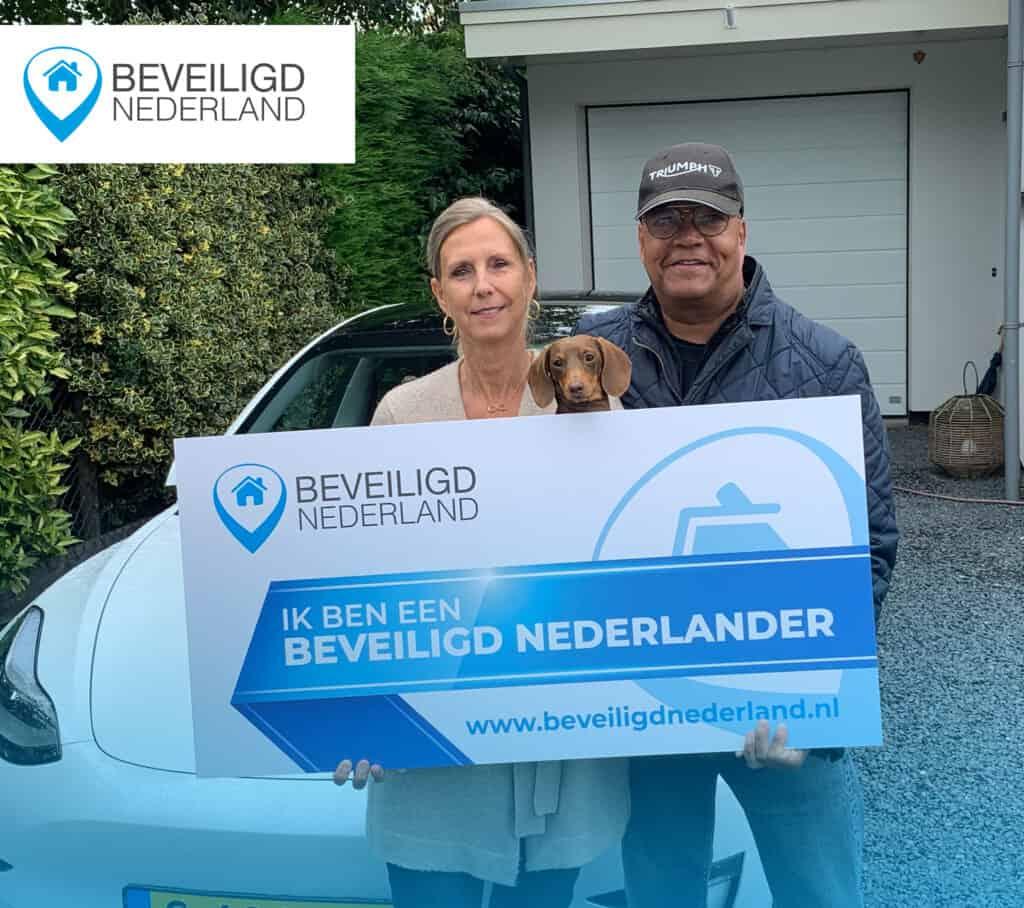 Beveiligd nederlander Beveiligd nederland foto tevreden klant